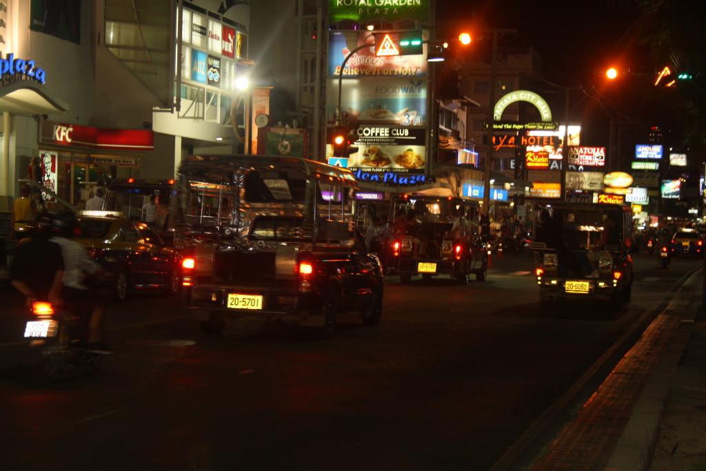 ночная улица бич роад