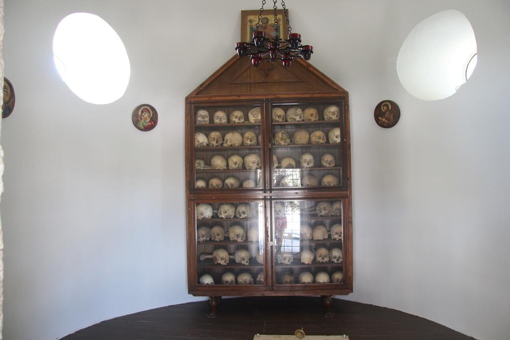 Монастырь Аркади на Крите, черепа